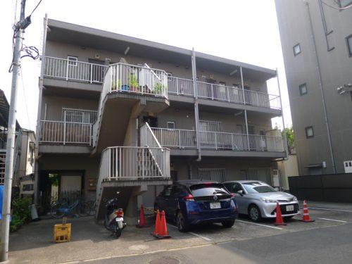 束田マンション 302号室